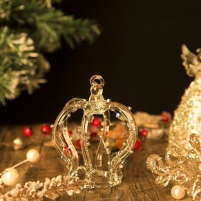 Crown Hanging