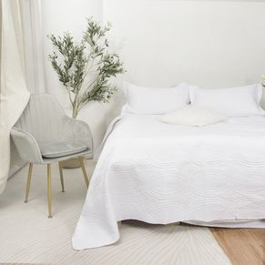 Oben Coverlet Set